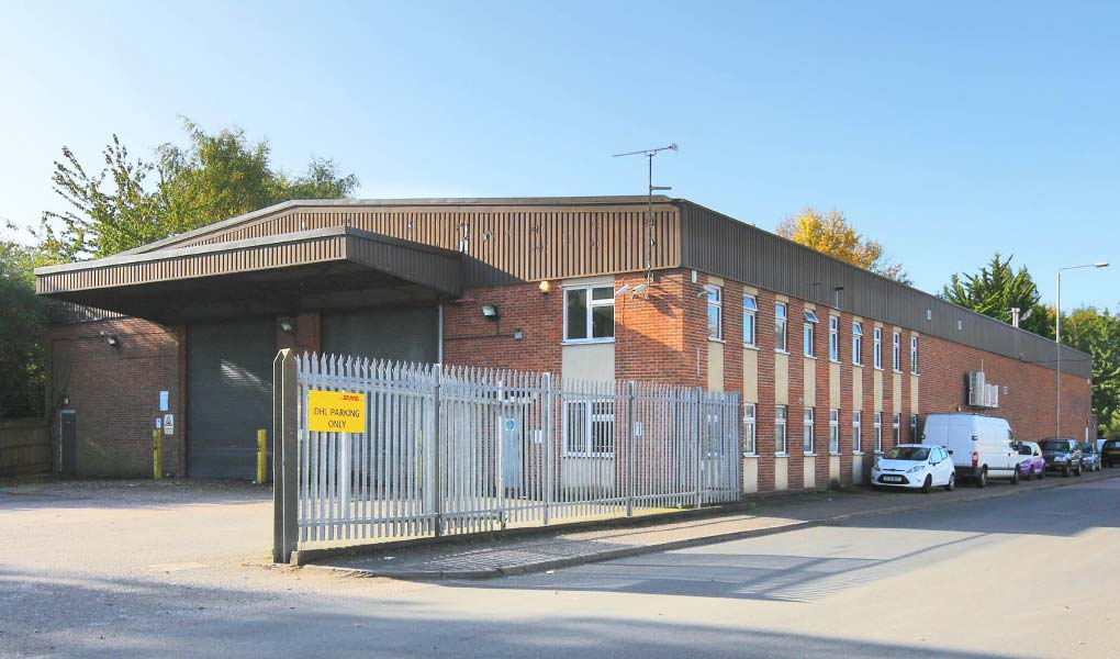 riverside industrial estate london colney